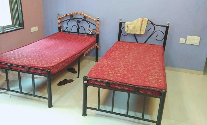 पवई में पीजी विक्रोली के बेडरूम की तस्वीर