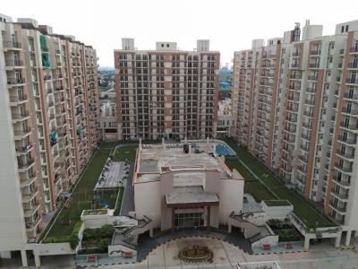 Gallery Cover Image of 1014 Sq.ft 2 BHK Apartment for buy in KLJ Platinum Heights, Sector 77 for 3300000