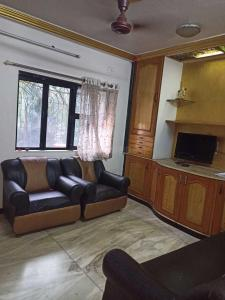 Gallery Cover Image of 950 Sq.ft 2 BHK Apartment for rent in Shivdham Complex, Malad East for 35000