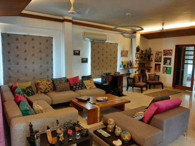 Gallery Cover Image of 3275 Sq.ft 3 BHK Independent Floor for buy in Besant Nagar for 47487500