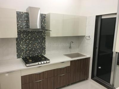 Gallery Cover Image of 1026 Sq.ft 2 BHK Apartment for buy in Kandivali West for 14500000