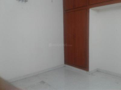 Gallery Cover Image of 1700 Sq.ft 3 BHK Apartment for rent in Kodambakkam for 32000