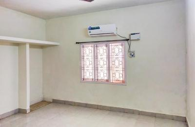 Gallery Cover Image of 450 Sq.ft 1 RK Independent House for rent in Velachery for 12600