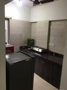 Gallery Cover Image of 285 Sq.ft 1 RK Apartment for buy in Chembur for 7800000