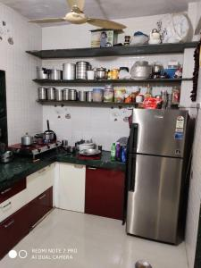 Gallery Cover Image of 680 Sq.ft 2 BHK Apartment for buy in Mira Road East for 4800000