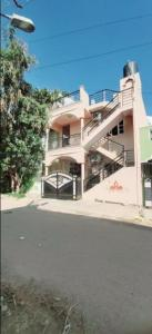 Gallery Cover Image of 1900 Sq.ft 3 BHK Independent House for rent in Battarahalli for 30000