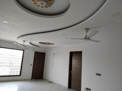 Gallery Cover Image of 3200 Sq.ft 3 BHK Independent Floor for rent in Sector 57 for 38000