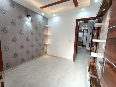 Gallery Cover Image of 900 Sq.ft 3 BHK Independent Floor for buy in Dwarka Mor for 5000000