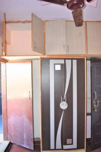 Gallery Cover Image of 200 Sq.ft 1 RK Independent Floor for rent in Kartik Nagar for 8000