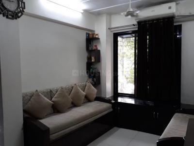 Gallery Cover Image of 520 Sq.ft 1 BHK Apartment for rent in Khar West for 55000
