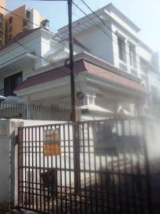Gallery Cover Image of 4400 Sq.ft 7 BHK Villa for buy in Butler Colony for 65000000
