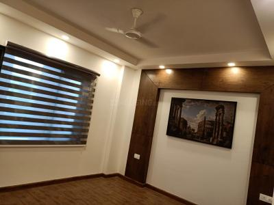 Gallery Cover Image of 1700 Sq.ft 3 BHK Independent Floor for buy in Sector 52 for 14100000