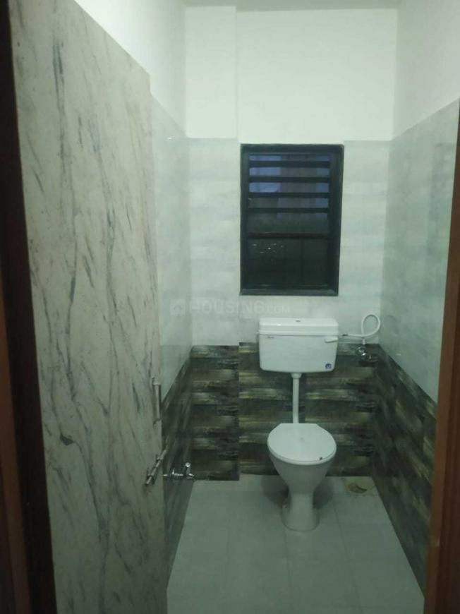 Common Bathroom Image of 552 Sq.ft 1 BHK Apartment for rent in Sector 12 for 11000