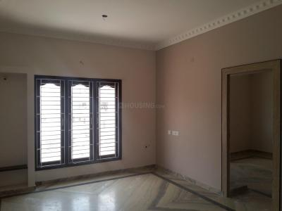 Gallery Cover Image of 960 Sq.ft 2 BHK Apartment for rent in Maduravoyal for 25000