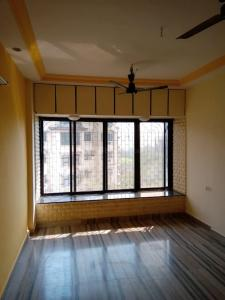 Gallery Cover Image of 980 Sq.ft 2 BHK Apartment for rent in Vandana Apartment, Malad West for 30000