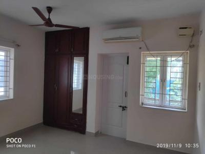 Gallery Cover Image of 2100 Sq.ft 3 BHK Apartment for rent in Kottivakkam for 55000