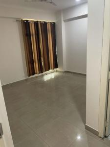 Gallery Cover Image of 1900 Sq.ft 4 BHK Apartment for rent in Gaursons Gaur City 2 11th Avenue, Noida Extension for 14500