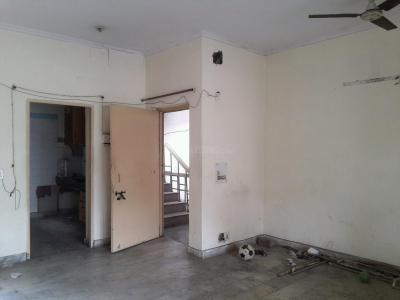 Gallery Cover Image of 960 Sq.ft 2 BHK Apartment for rent in Shipra Regalia Heights, Shipra Suncity for 11000
