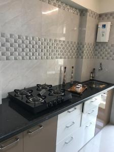 Gallery Cover Image of 960 Sq.ft 1 BHK Apartment for rent in Virar West for 8500