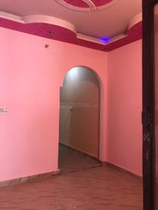 Gallery Cover Image of 450 Sq.ft 2 BHK Independent Floor for rent in Krishna Nagar for 8000