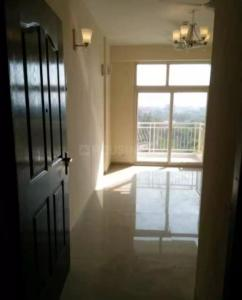 Gallery Cover Image of 1390 Sq.ft 3 BHK Apartment for rent in Rishabh Iconic 9, Vaishali for 22000