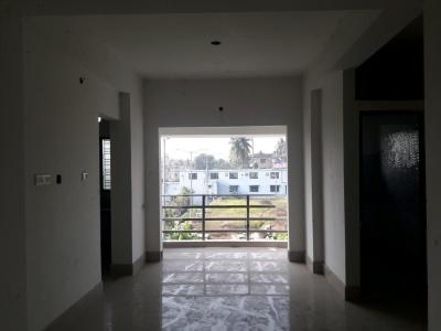Gallery Cover Image of 898 Sq.ft 2 BHK Apartment for rent in North Dum Dum for 8000