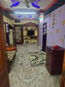 Gallery Cover Image of 1800 Sq.ft 5 BHK Independent House for buy in Kukatpally for 12000000