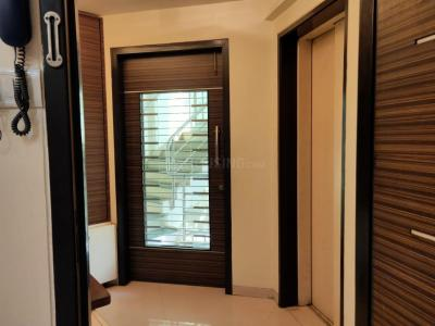 Gallery Cover Image of 1500 Sq.ft 3 BHK Apartment for buy in Vile Parle East for 40000000