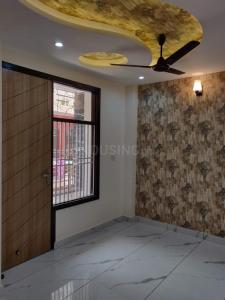 Gallery Cover Image of 600 Sq.ft 2 BHK Independent Floor for buy in Dwarka Mor for 3100000