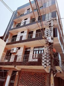 Building Image of Luxury PG For Girls Like Hotel in Dwarka Mor