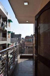 Balcony Image of Krishna Kutir PG in Uttam Nagar