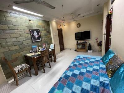 Gallery Cover Image of 810 Sq.ft 2 BHK Apartment for rent in Goregaon East for 36000