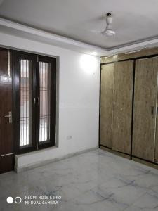Gallery Cover Image of 900 Sq.ft 2 BHK Independent Floor for buy in Sector 105 for 2400000
