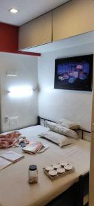 Gallery Cover Image of 2340 Sq.ft 3 BHK Apartment for rent in Juhu for 160000