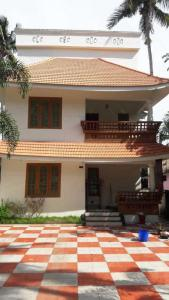 Gallery Cover Image of 2200 Sq.ft 3 BHK Independent House for rent in Venpalavattom for 30000