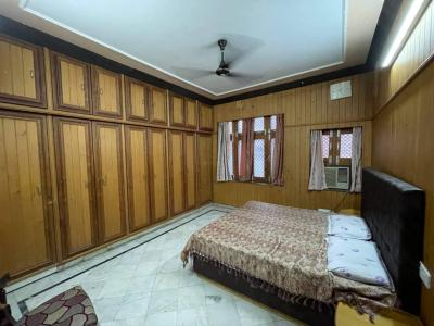 Gallery Cover Image of 3800 Sq.ft 3 BHK Independent Floor for rent in Trikuta Nagar for 42000