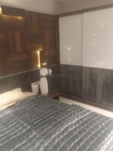Gallery Cover Image of 1350 Sq.ft 3 BHK Apartment for buy in Malad West for 20100000