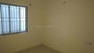 Gallery Cover Image of 710 Sq.ft 2 BHK Apartment for buy in Korattur for 4000000