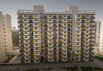 Gallery Cover Image of 2250 Sq.ft 3 BHK Apartment for rent in Adarsh Palm Retreat Tower 1, Bellandur for 50000