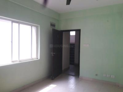 Gallery Cover Image of 895 Sq.ft 3 BHK Apartment for rent in Maheshtala for 10000