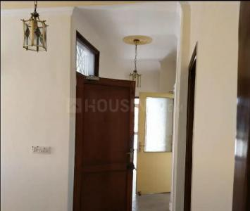 Gallery Cover Image of 2000 Sq.ft 3 BHK Apartment for rent in  Defence Colony, Defence Colony for 60000