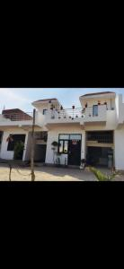 Gallery Cover Image of 850 Sq.ft 2 BHK Villa for buy in Noida Extension for 2395000