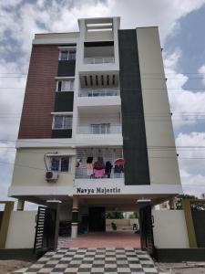 Gallery Cover Image of 1500 Sq.ft 3 BHK Apartment for rent in Hafeezpet for 23000