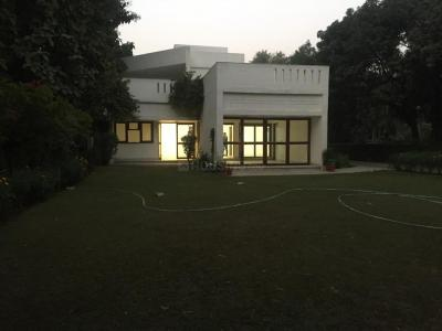 Gallery Cover Image of 13500 Sq.ft 5 BHK Independent House for rent in Sainik Farm for 270000