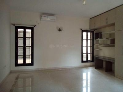 Gallery Cover Image of 3000 Sq.ft 4 BHK Villa for rent in Prestige Silver Oak, Whitefield for 55000
