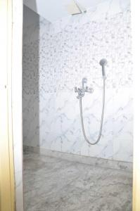 Bathroom Image of Calcutta Ladies Lodge in Maniktala