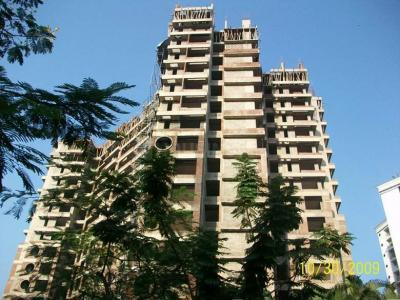 Gallery Cover Image of 1150 Sq.ft 3 BHK Apartment for rent in Group Rushi Heights, Malad East for 57000