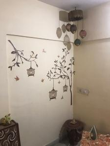 Gallery Cover Image of 560 Sq.ft 1 BHK Apartment for rent in Mira Road East for 16000