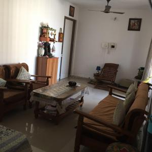 Gallery Cover Image of 1250 Sq.ft 2 BHK Apartment for rent in Kalamboli for 25000
