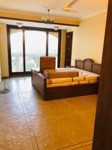 Gallery Cover Image of 2500 Sq.ft 4 BHK Apartment for rent in Quantum Park, Bandra West for 500000